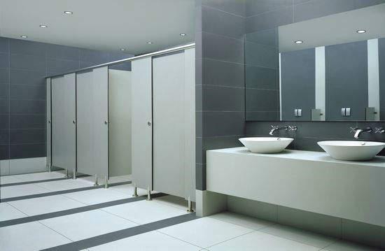 比如说金属材料的洗手间隔断,这类材料的洗手间隔断除了能防水外还有