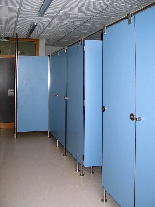 学校卫生间隔断板厂家图片