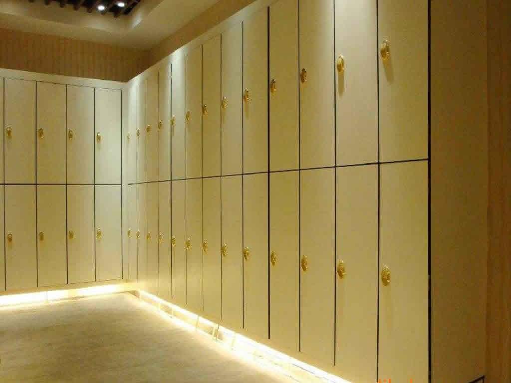 广州厂家加工抗倍特板储物柜