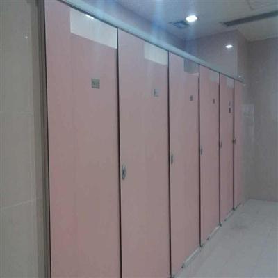 体育中心洗手间隔断