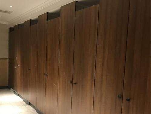 卫生间隔断门