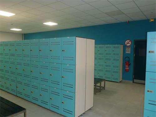 公共储物柜